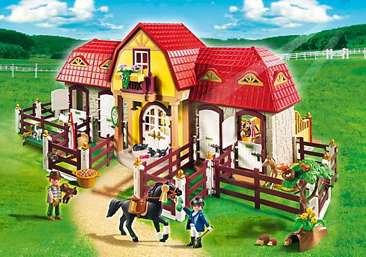 Großer Reiterhof mit Paddocks
