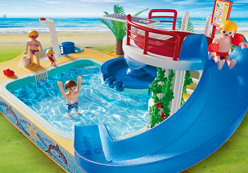 Destockage playmobil 5433 famille avec piscine et for Plongeoir de piscine